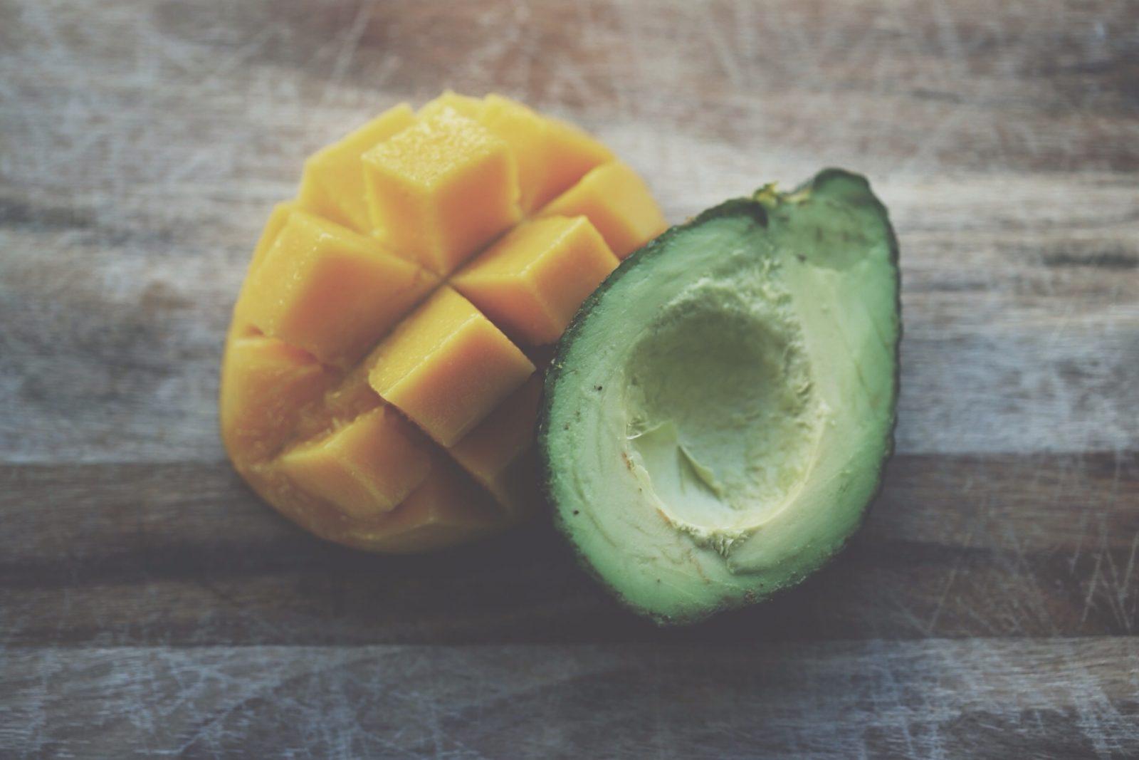 10 храни, които предпазват от акне
